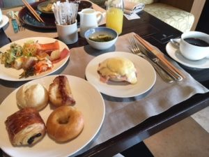 リッツカールトン沖縄 朝食の料金や時間は?食べた感想についても