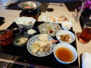 神戸みなと温泉蓮の食事は?夕食と朝食バイキングのメニューを紹介!