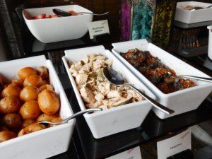 コンラッドドバイの朝食ビュッフェは中東料理とパンの種類が豊富!