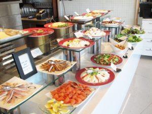 ラッフルズドバイの豪華すぎる朝食ビュッフェをブログで紹介!