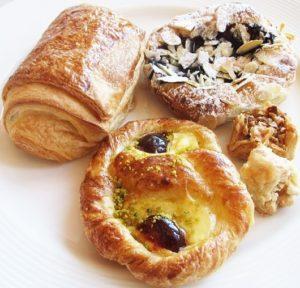 ラッフルズドバイ,朝食,ブログ