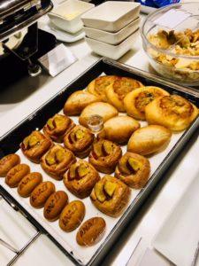 ANAラウンジ羽田 国内線と国際線の食事やドリンクメニューを比較!